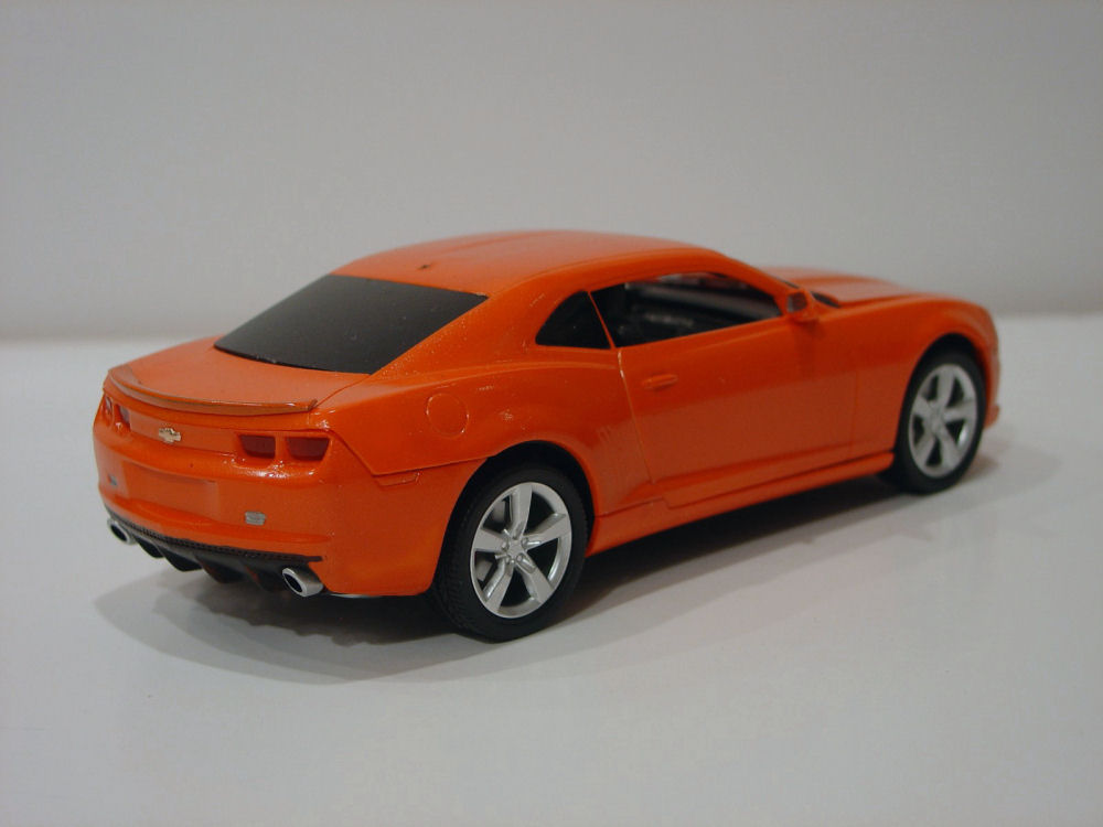 Amt 0742 1 25 2010 Chevy Camaro Ss Rs Coupe Build Image 04
