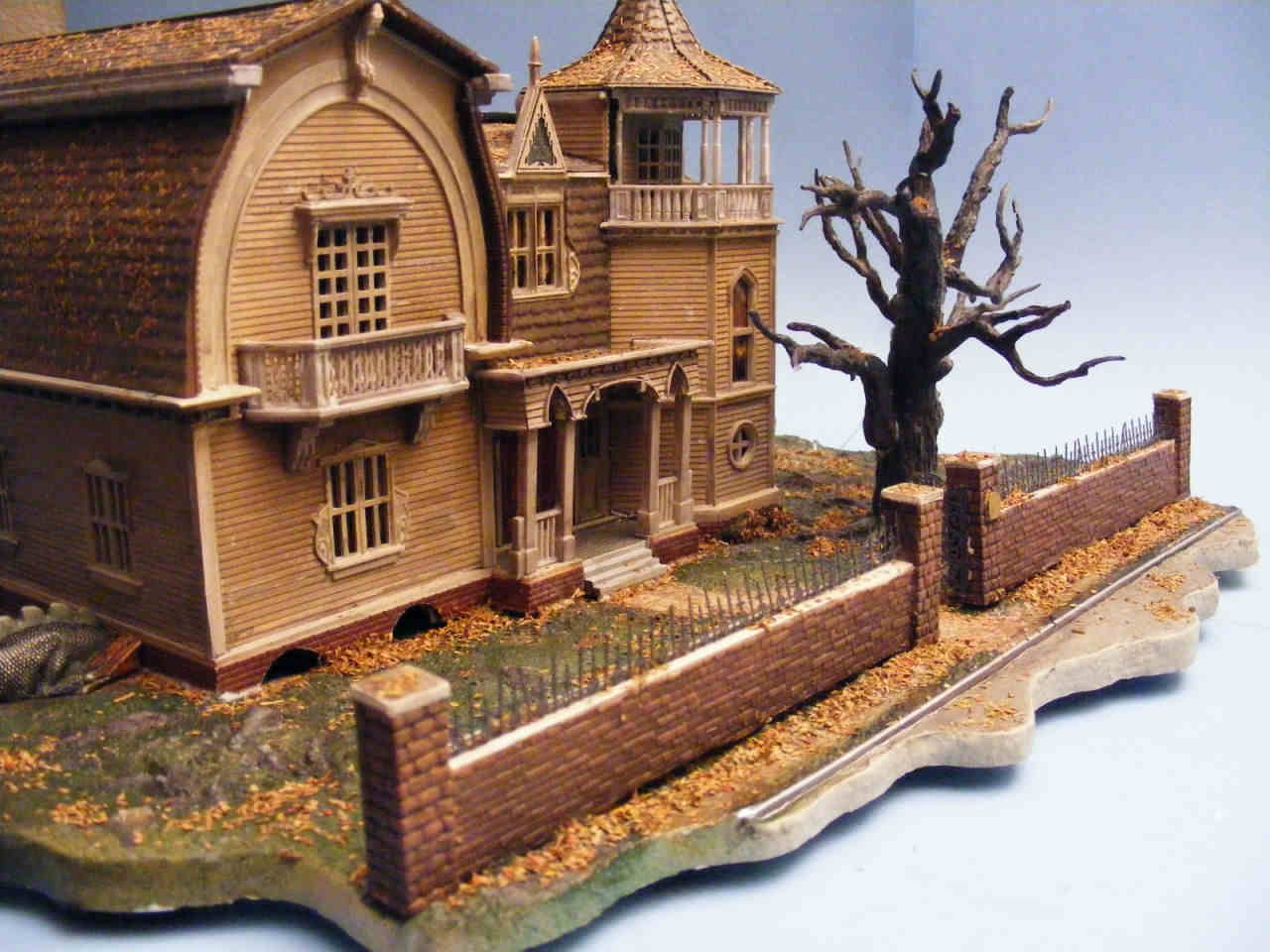 Moebius Models 929 1 87 The Munsters The House At 1313