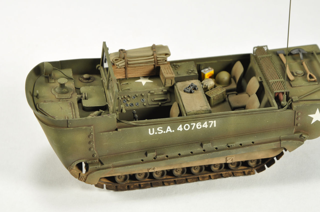 Monogram 0024 1 35 M29 Amphibious Weasel Build Image 10