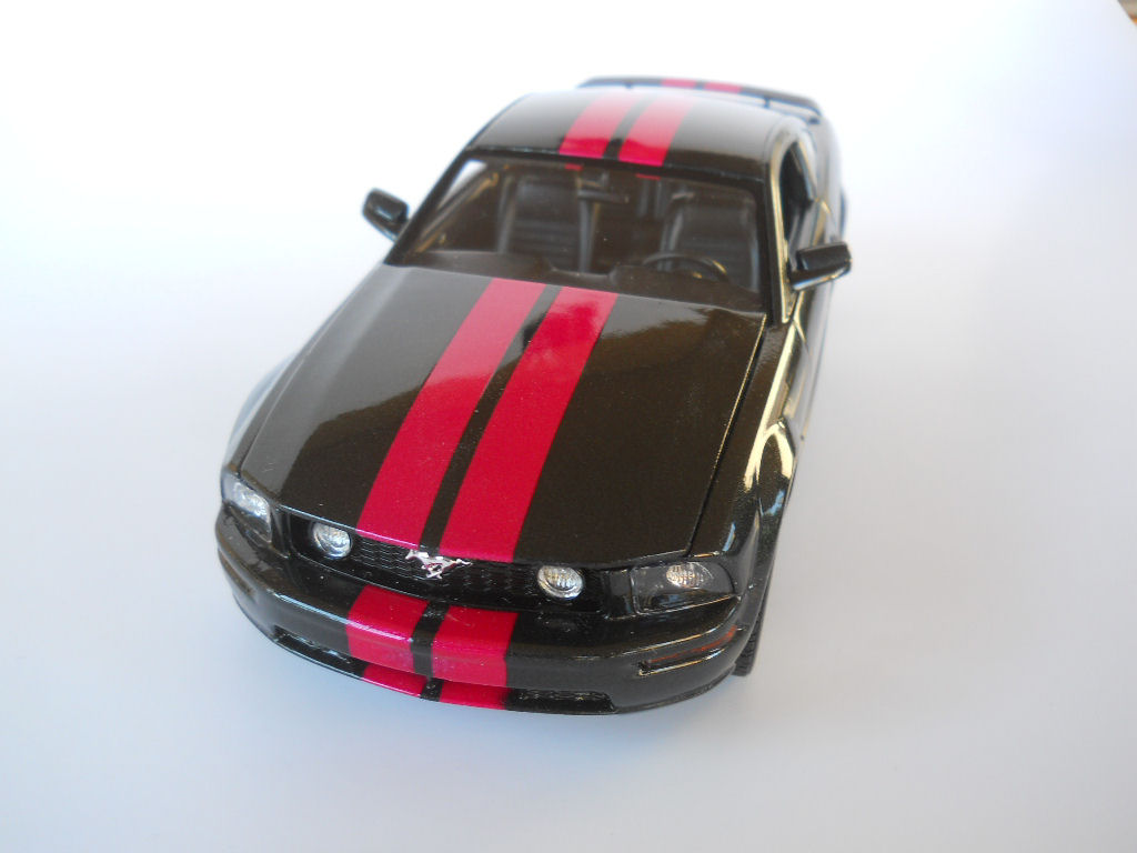 Revell 1 24 2006 Mustang Gt Build Image 02