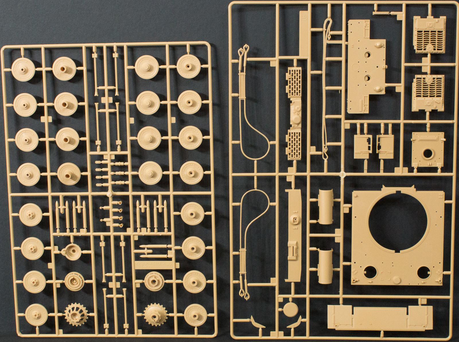 Model Kit Academy Tiger-I Version MID