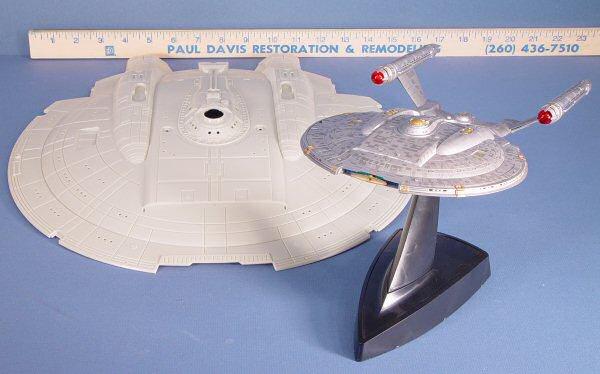 Polar Lights 4201 1/350 USS Enterprise NX-01 Kit First Look