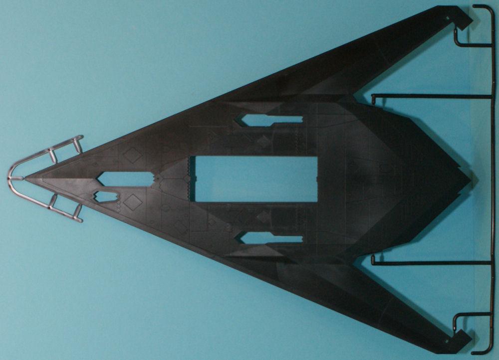 Tamiya 89773 1/48 F-117A Nighthawk w/US Modern 4x4 Utility ...