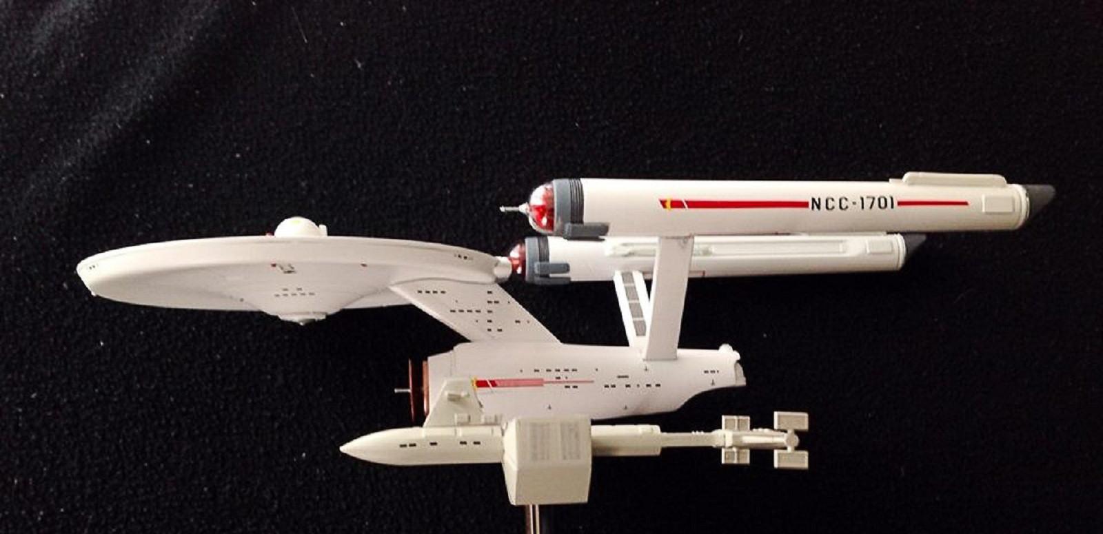 CultTVman Science Fiction 2014 - 1/1000 USS Enterprise and ... Bay